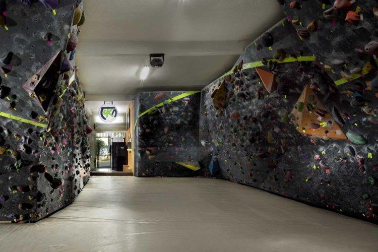Muro-de-escalada-Toka-diseñado-y-construido-por-muta-climbing